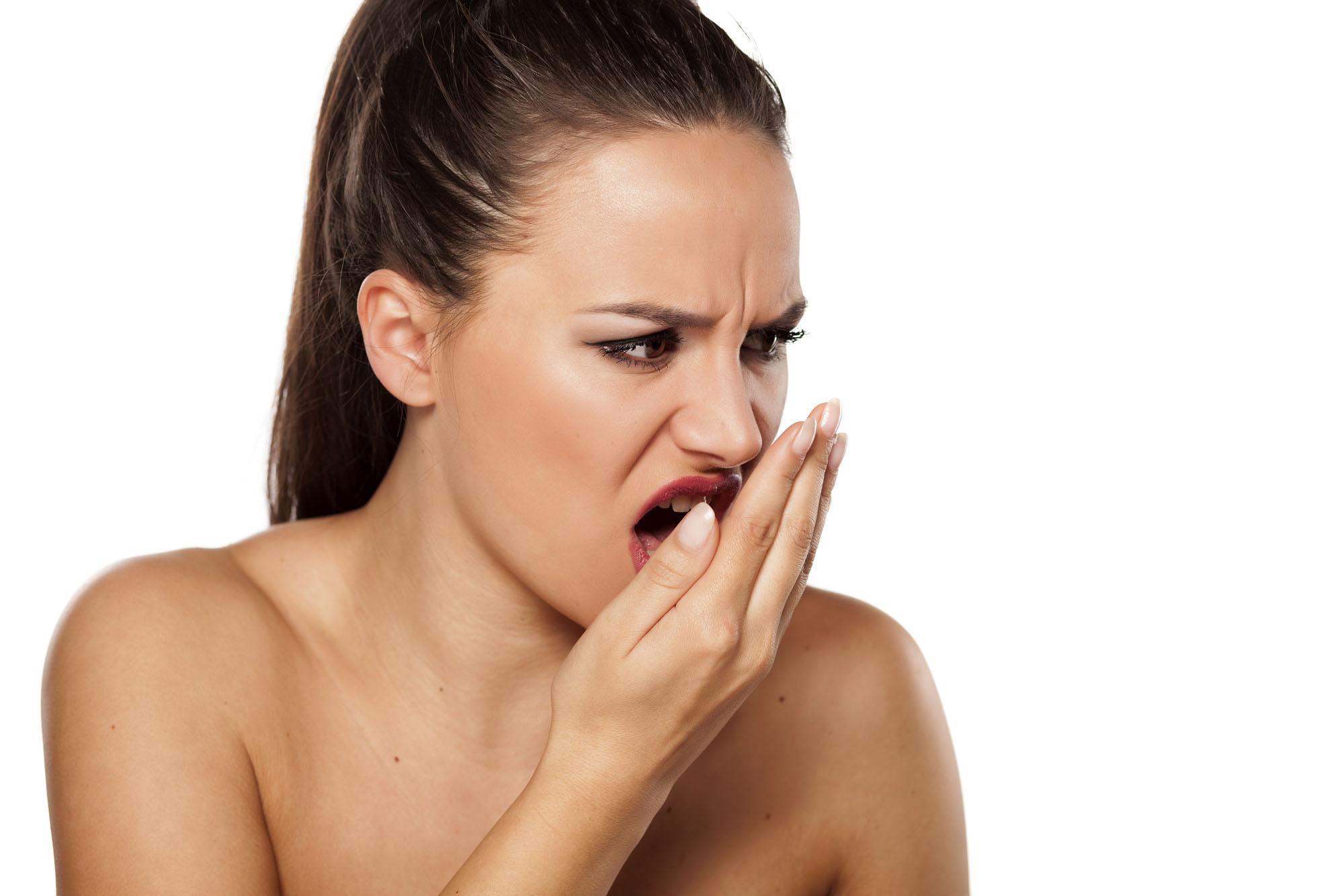 Как сделать чтобы изо рта не пахло чесноком изо рта